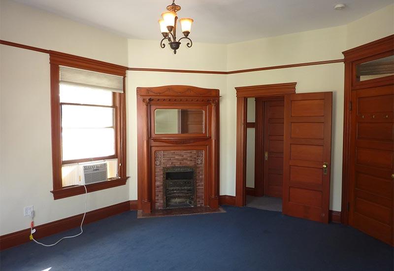 Woodcraft Manor Room 5