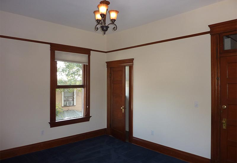 Woodcraft Manor Room 8