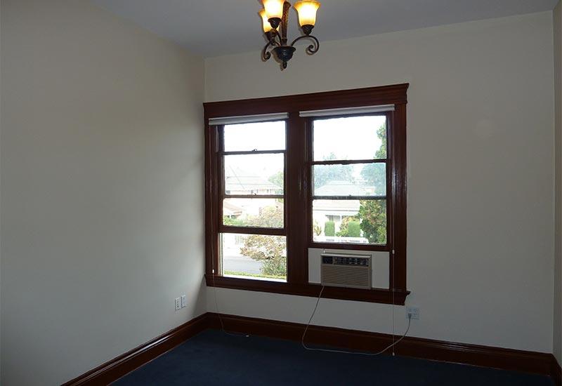 Woodcraft Manor Room 9