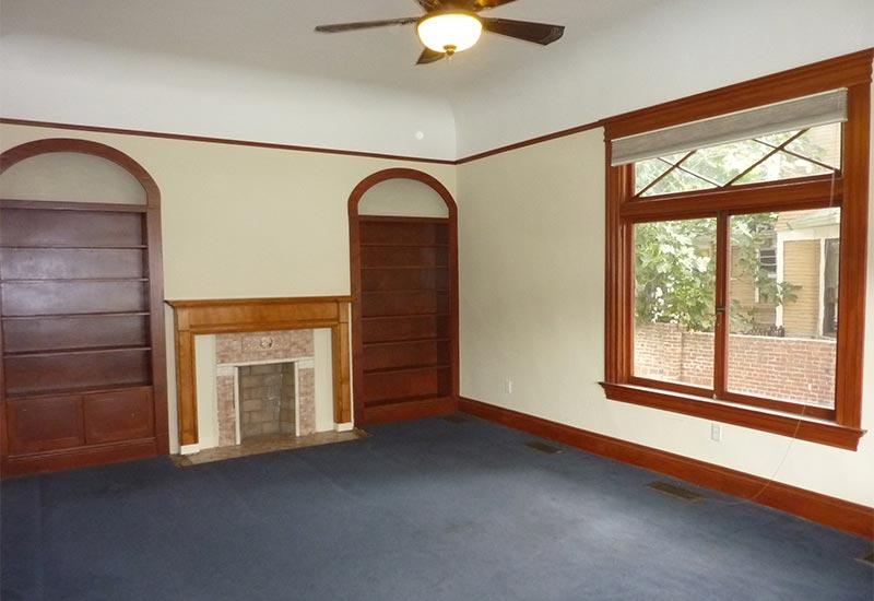 Woodcraft Manor Room 1