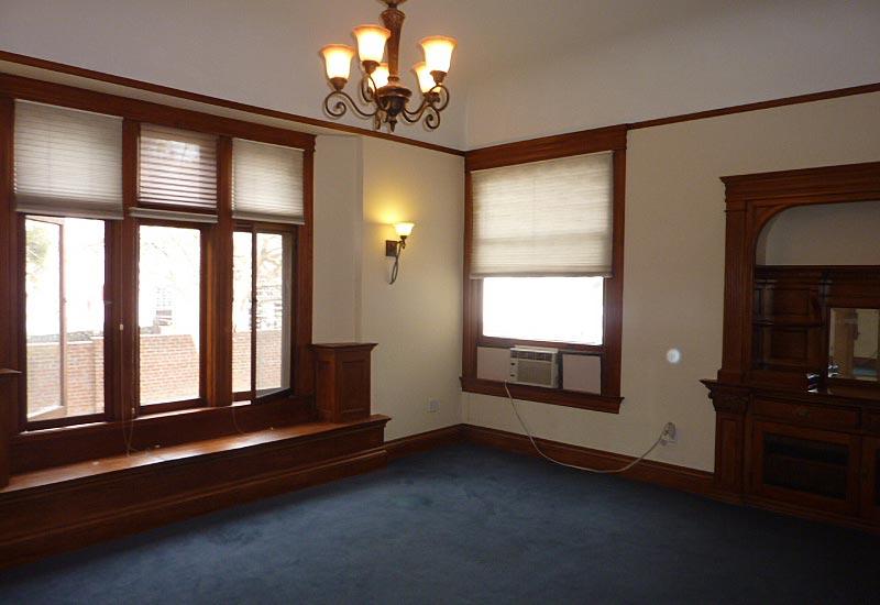 Woodcraft Manor Room 3