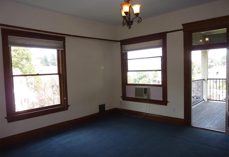 Woodcraft Manor Room 4